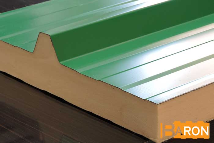 Thickness of sandwich panels